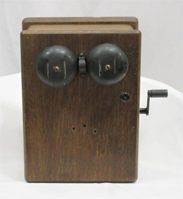 Telephone, Wall